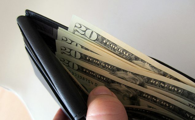 Wussten Sie schon, dass die Landeswöhrung Ecuadors der US-Dollar ist? Bild: 401(K) 2012 auf flickr