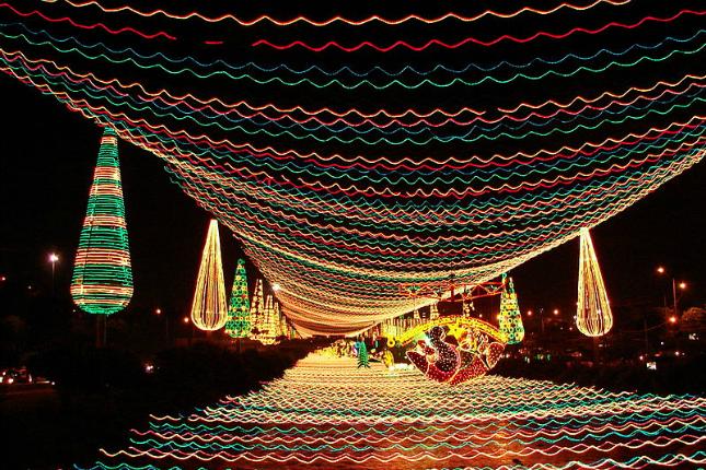 Medellín an Weihnachten. Quelle:wikimedia