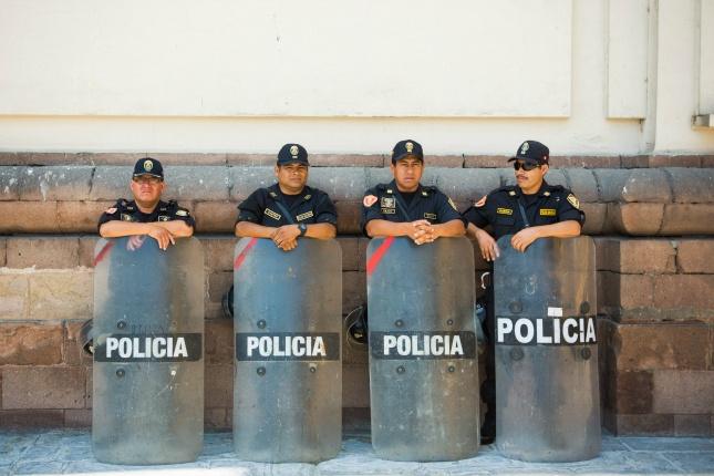Polizisten oder anderen Personen ein Schmiergeld zu zahlen ist strafbar und die Folgen häufig unabsehbar.
