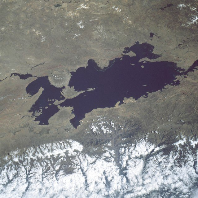 Lake Titicaca from Space (c) Wikimedia